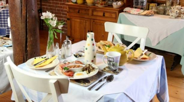Breakfast table at Dairy Barns Farmhouse