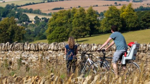 Family cycling Cotswolds