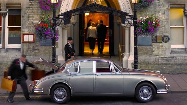 Entrance of Macdonald Randolph Hotel