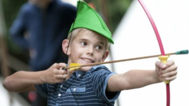 A child dressed as Robin Hood