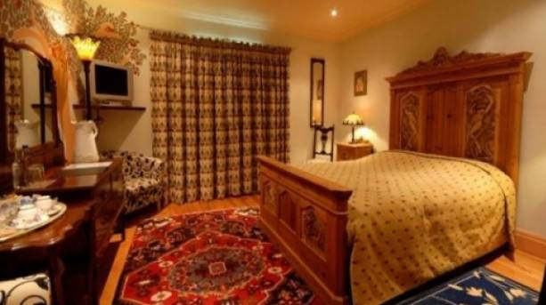 A bedroom at Wolds Village, Yorkshire Wolds