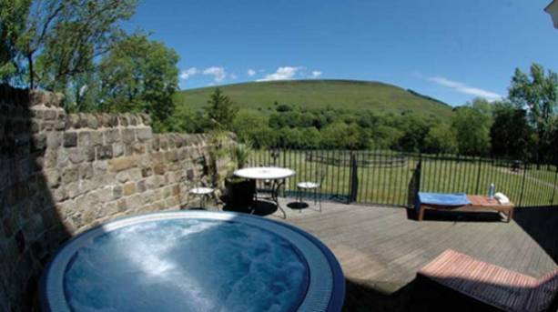 Losehill House Hotel and Spa, outdoor hot tub