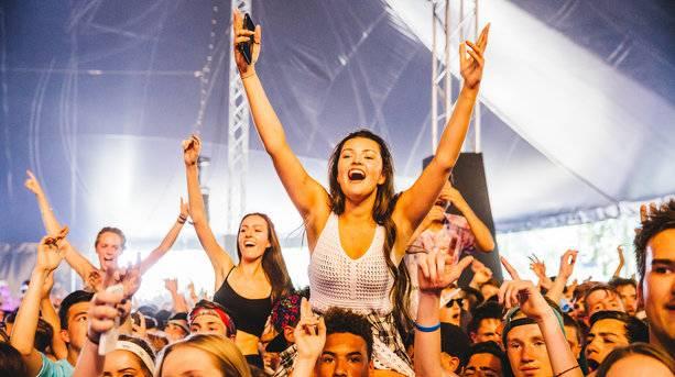 Wireless Festival Crowds