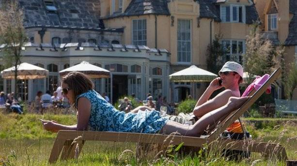 Couple at Pig on The Beach