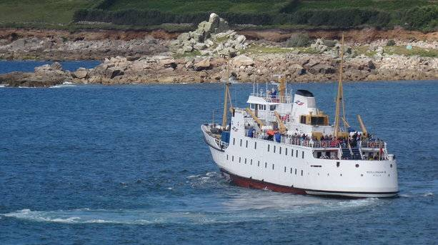 Ferry Heading in to Scilly