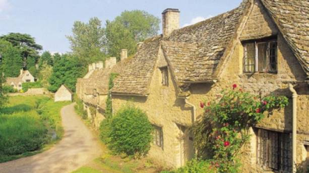Traditional village houses in Bibury