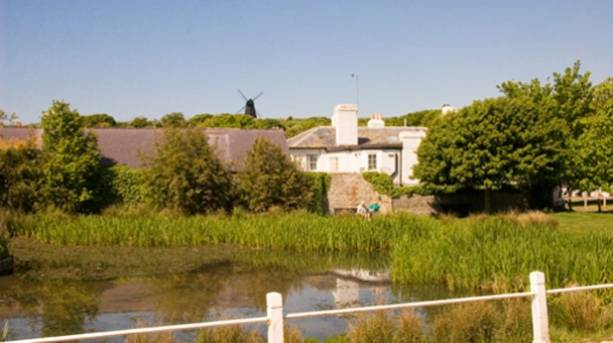 Photo of the pond at Rottingdean