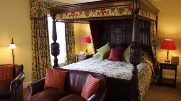Beechwood Hotel Norfolk Four Poster Bed