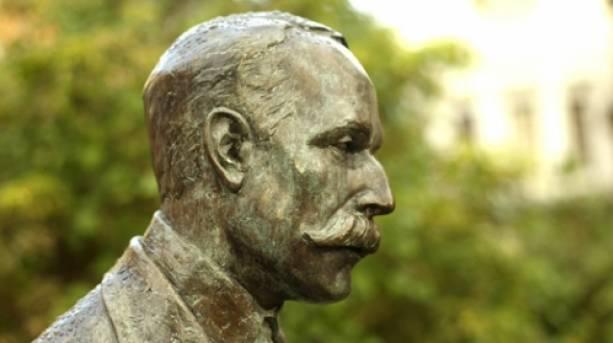 A statue of Sir Edward Elgar