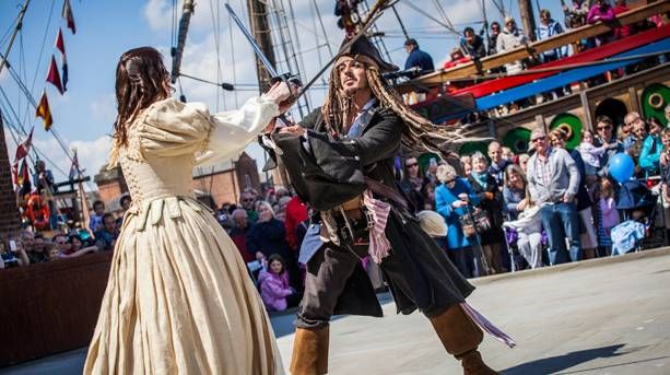 Live shwashbuckling pirate show at Gloucester Tall Ships