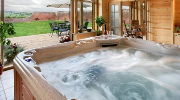 Hot tub in a Trevase Cottage