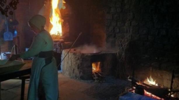 Tudor brewing and baking at Weald and Downlandjpg