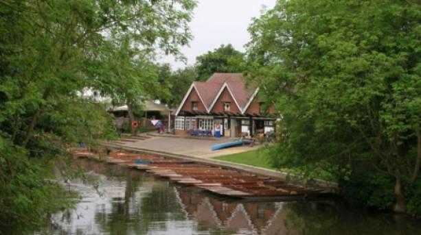 Punts at Cherwell Boathouse