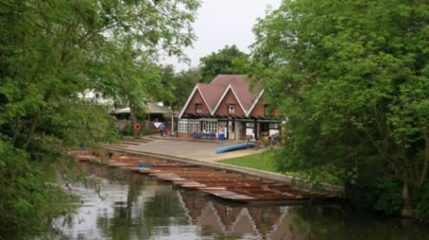Punts at Cherwell Boathouse