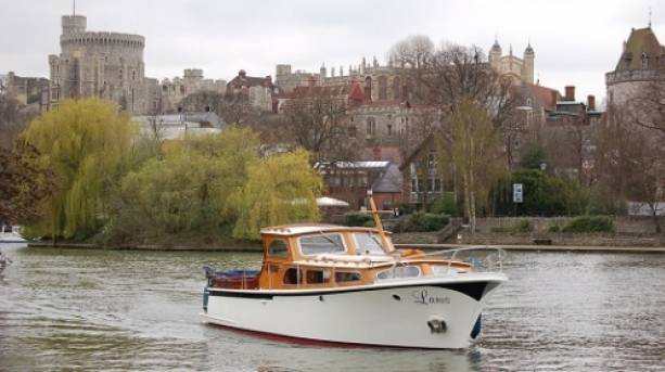 Fringilla charter boat Larus with Windsor castle backdrop