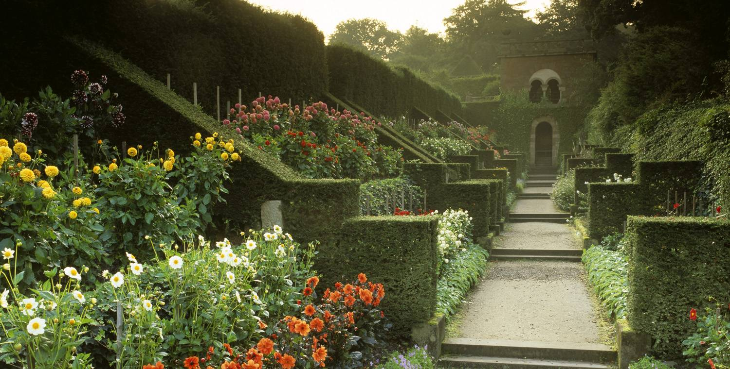 Find vacation ideas in england and tourist information for Garden information sites