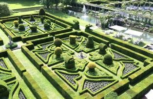 20 Secret Gardens in England