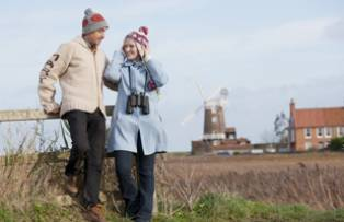 Couple at Cley-next-the-Sea – Norfolk