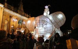 See the Wiltshire market town of Devizes light up this Christmas
