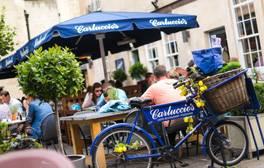Dine alfresco in Bath's stylish shopping quarter