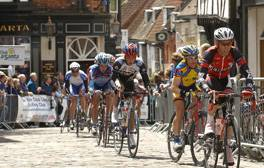 Cheer on the cyclists at Lincoln's racing events this summer