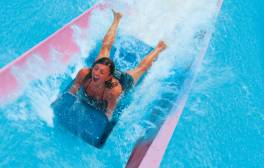 Scream if you want to go faster at Alpamare waterpark