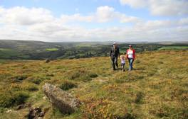 Zu Fuß durch Dartmoor