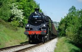 Fahren Sie mit der Keighley & Worth Valley Railway