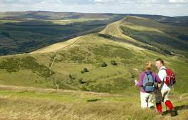 Discover the two sides of the Peak District