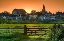 Explore Malmesbury and Abbey House Gardens