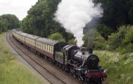 Step back in time on a Cotswolds Guided Train and Tower Tour