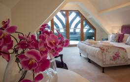 Enjoy a romantic boathouse break in the Lake District