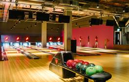 Enjoy bowling, dining & cocktails at All Star Lanes
