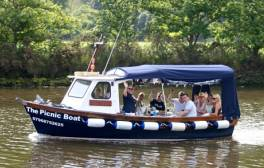 Have a picnic whilst sailing on the River Dart
