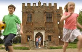 Go picnicing at Rye House Gatehouse