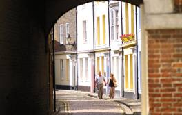 Uncover the stories behind Hull's Old Town