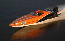 Experience the thrill of Power Boat racing on the Humber
