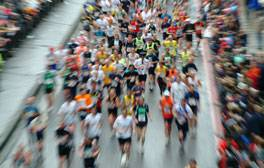 Cheer on the runners at the London Marathon