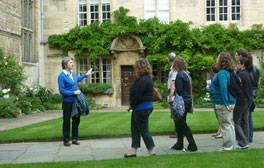 Explore the city with Oxford Official Walking Tours