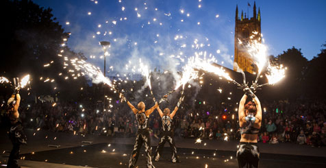 An outdoor performance at the Derby Feste, Derbyshire © VisitEngland Images