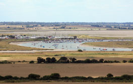 Discover the Naze seascapes and landscapes
