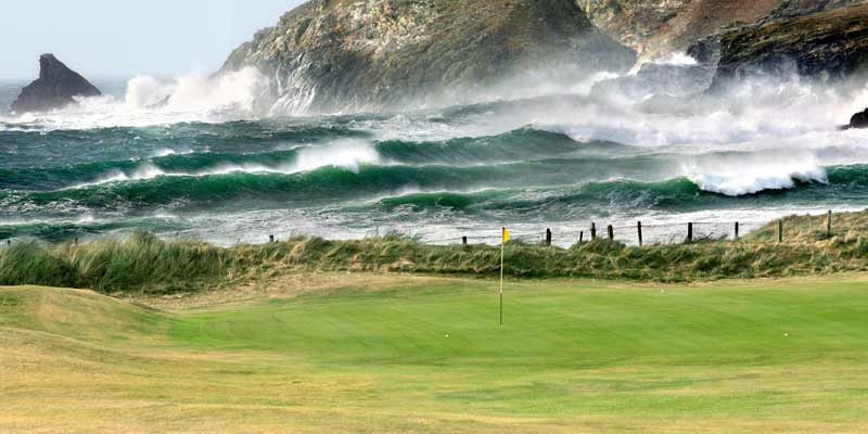 Trevose's 4th green against the Atlantic backdrop.
