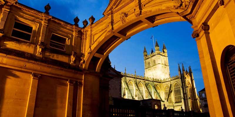 Bath Abbey at night.