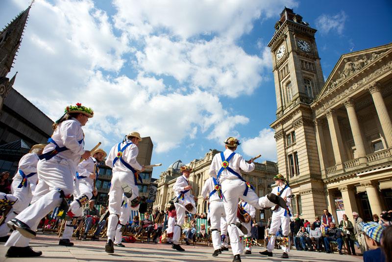 A jingling-jangling Morris dancing troupe in Birmingham