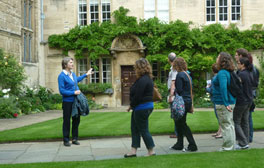 Explore the city with Oxford Official Guided Walking Tours