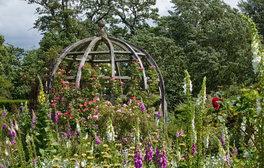 Waterperry Gardens, Oxfordshire (c) VisitEngland